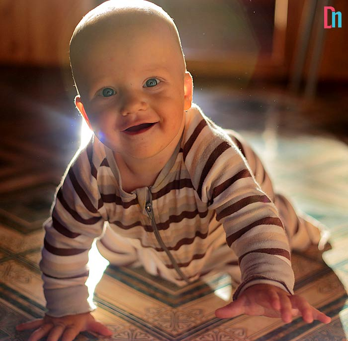 what to look for in crawling baby diapers